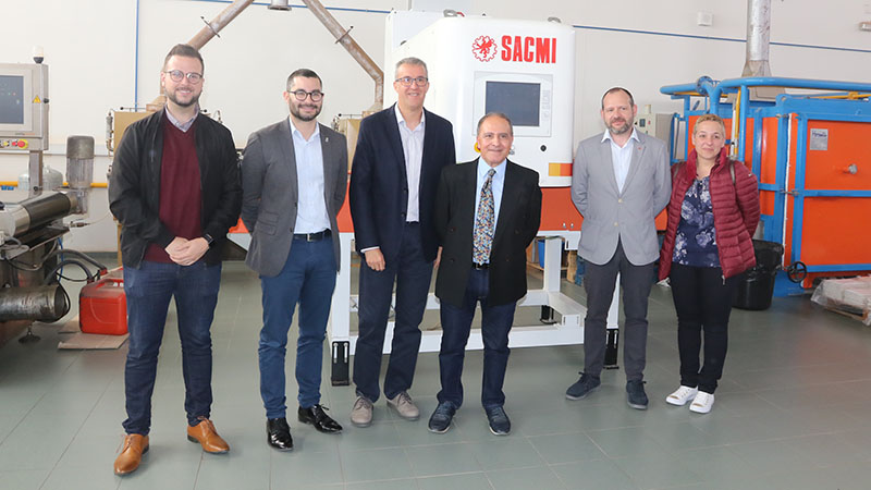 SACMI Iberica donates a digital decoration unit to the ESCAL Institute in Castellón